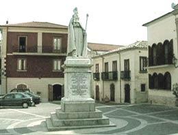 Statua-S.Amato_Nusco-