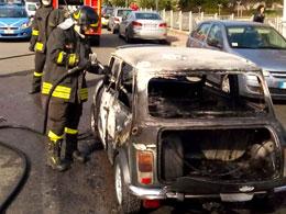 auto-incendiata-1114