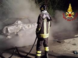 auto-incendiata-serino-0813