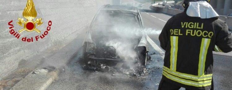 auto a16 vigili del fuoco