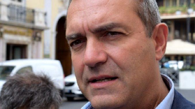 Taccone, omaggio biancoverde al sindaco De Magistris