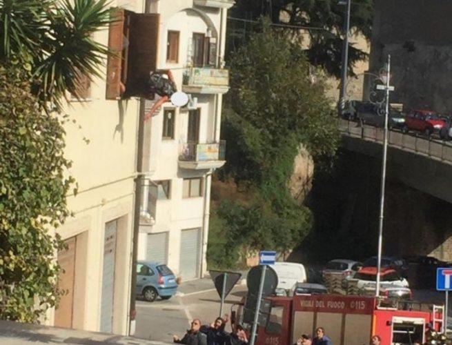caduta balcone gimmelli