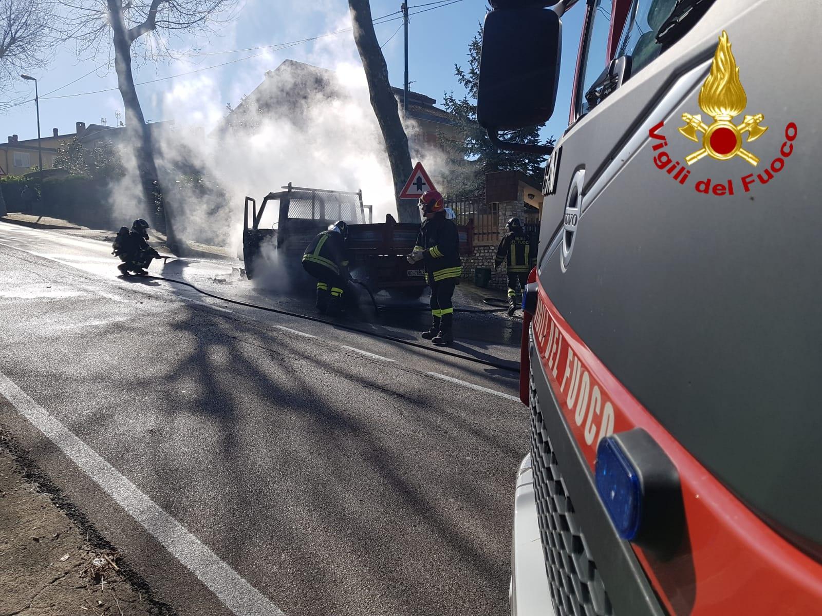 autocarro fiamme 2