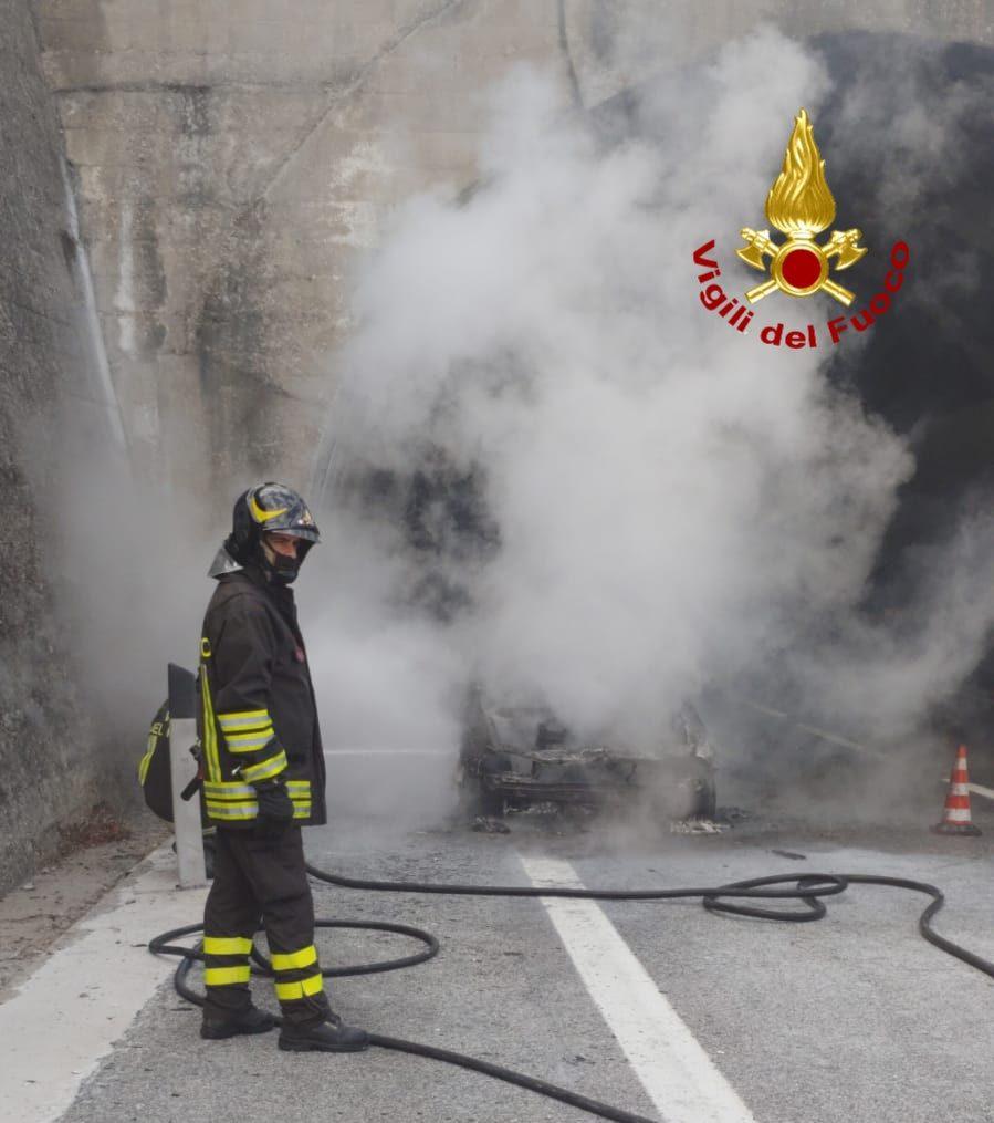 incendio galleria A16