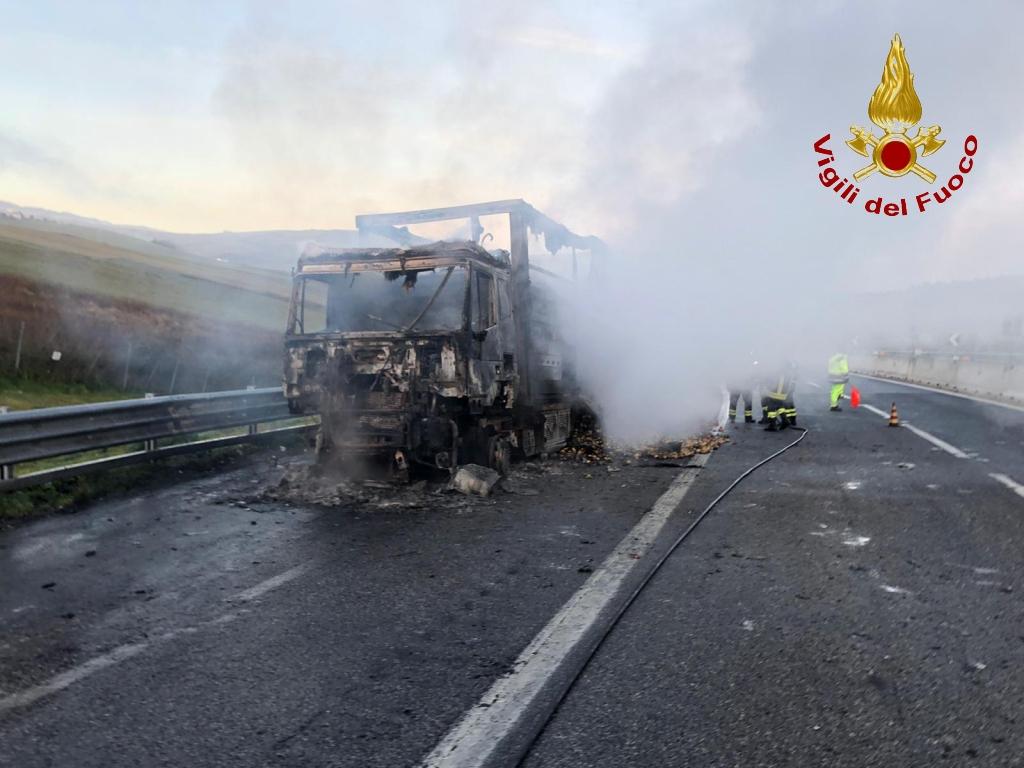 incendio autostrada