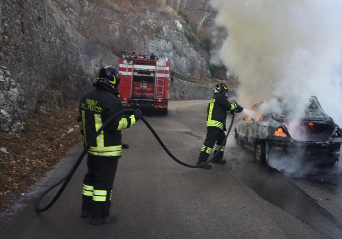 incendio vigili fuoco