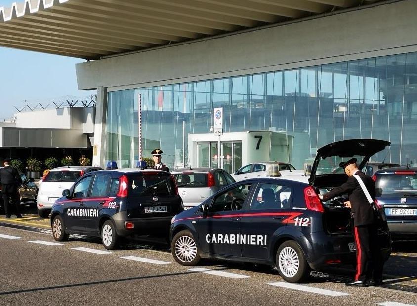 carabinieri aereoporto