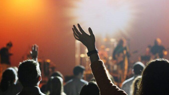 Coronavirus, rinviata l'apertura delle discoteche: si balla solo dal 15 luglio