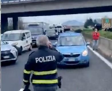 mercatali-protesta-autostrada-caserta-2-1